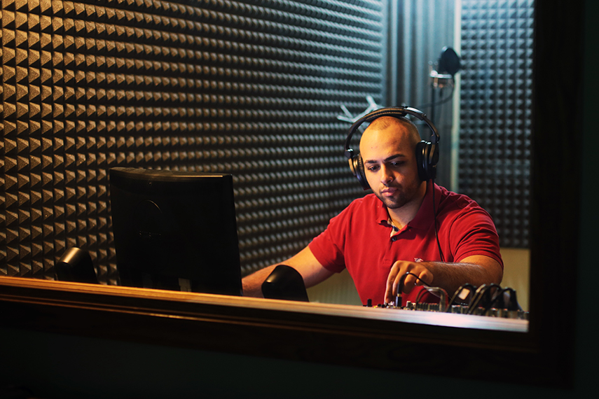 How to Prepare a Room for Quality Voice Overs | Blog | TechSmith